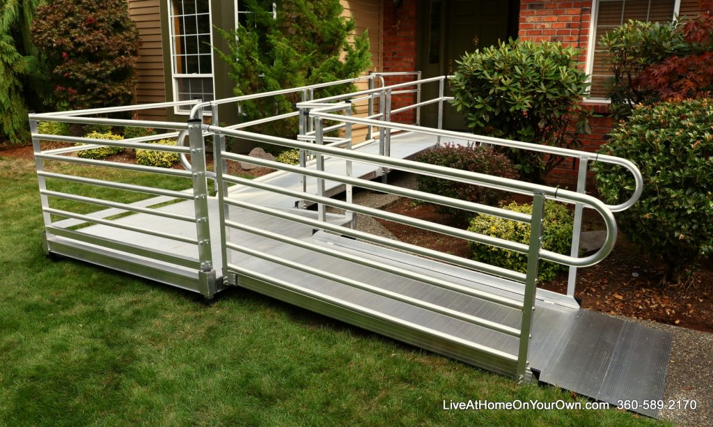 EZ Access-Pathway-3G Horizontal Picket Handrail